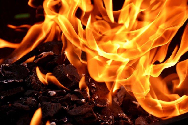 Feuer vor Mehrfamilienhaus – Kleine Ringstraße