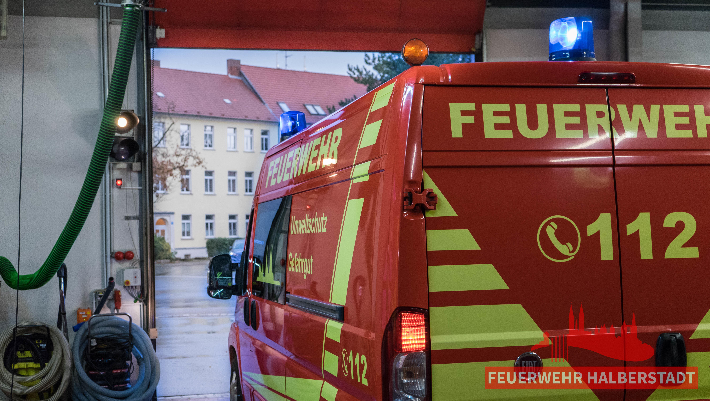 Verkehrsunfall eingeklemmte Person in der Quedlinburger Straße