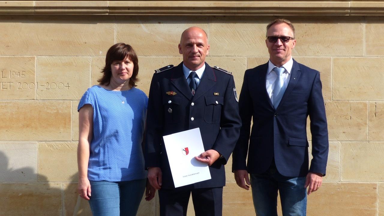 Feuerwehrchef zum Brandamtsrat befördert