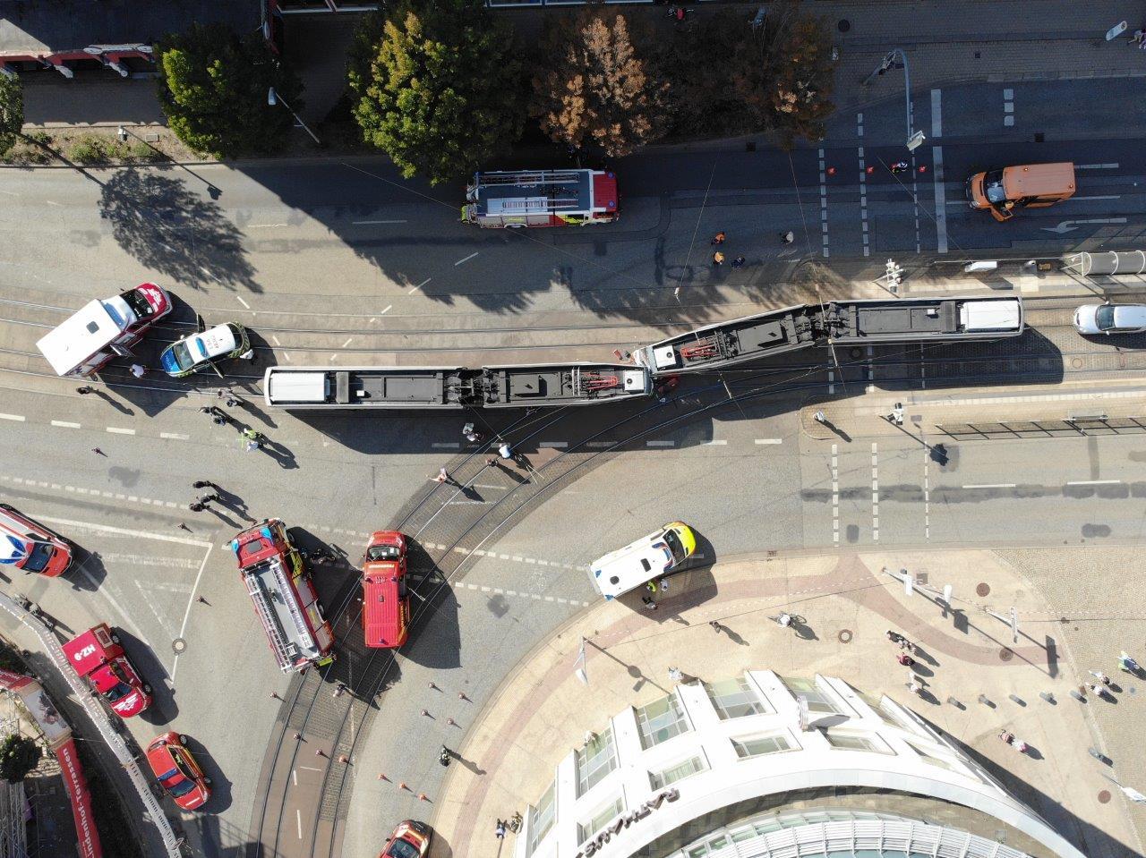 Bergungsarbeiten nach Straßenbahnunfall – Kühlinger Straße / Holzmarkt