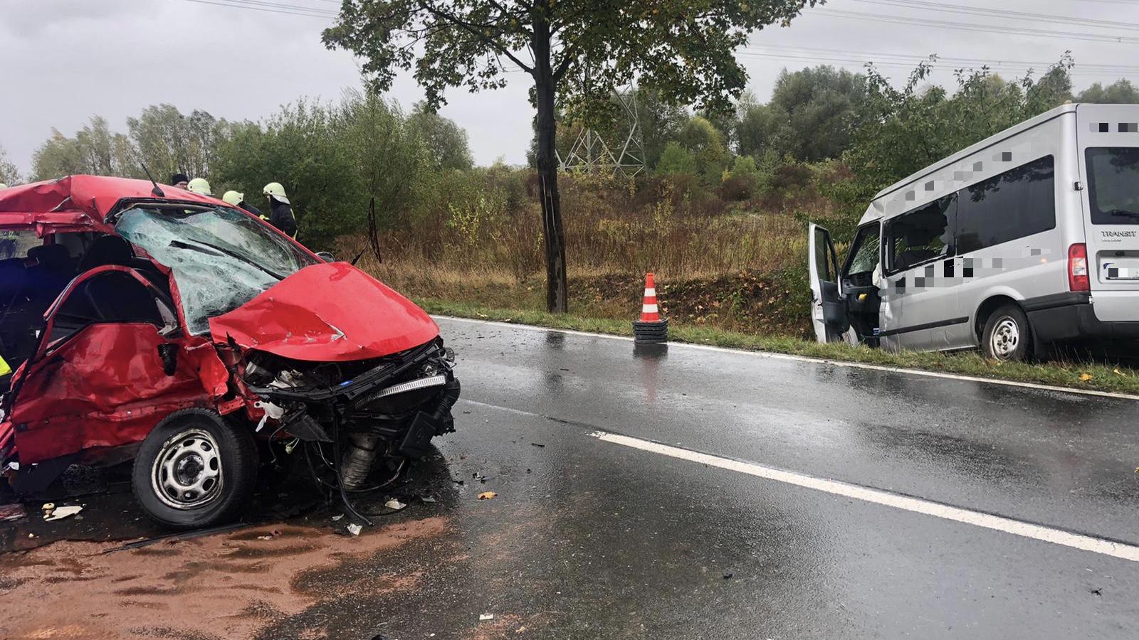 Verkehrsunfall – PKW gegen Kleinbus – B245 Richtung Groß Quenstedt