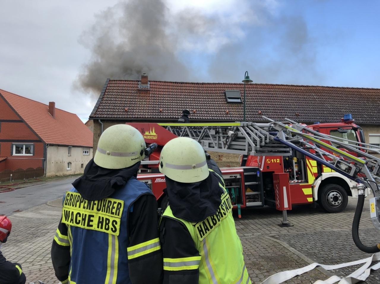 Gebäudebrand in Haus Nienburg – Überörtliche Löschhilfe