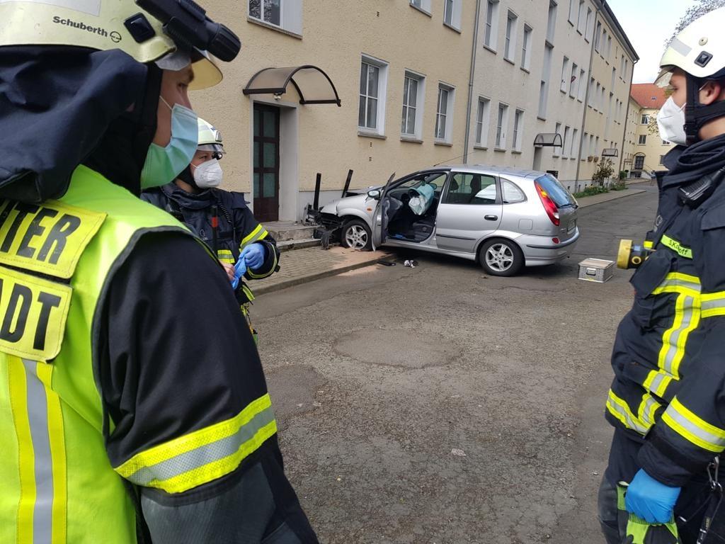 VUeP PKW gegen Mauer – Thomas-Müntzer-Straße