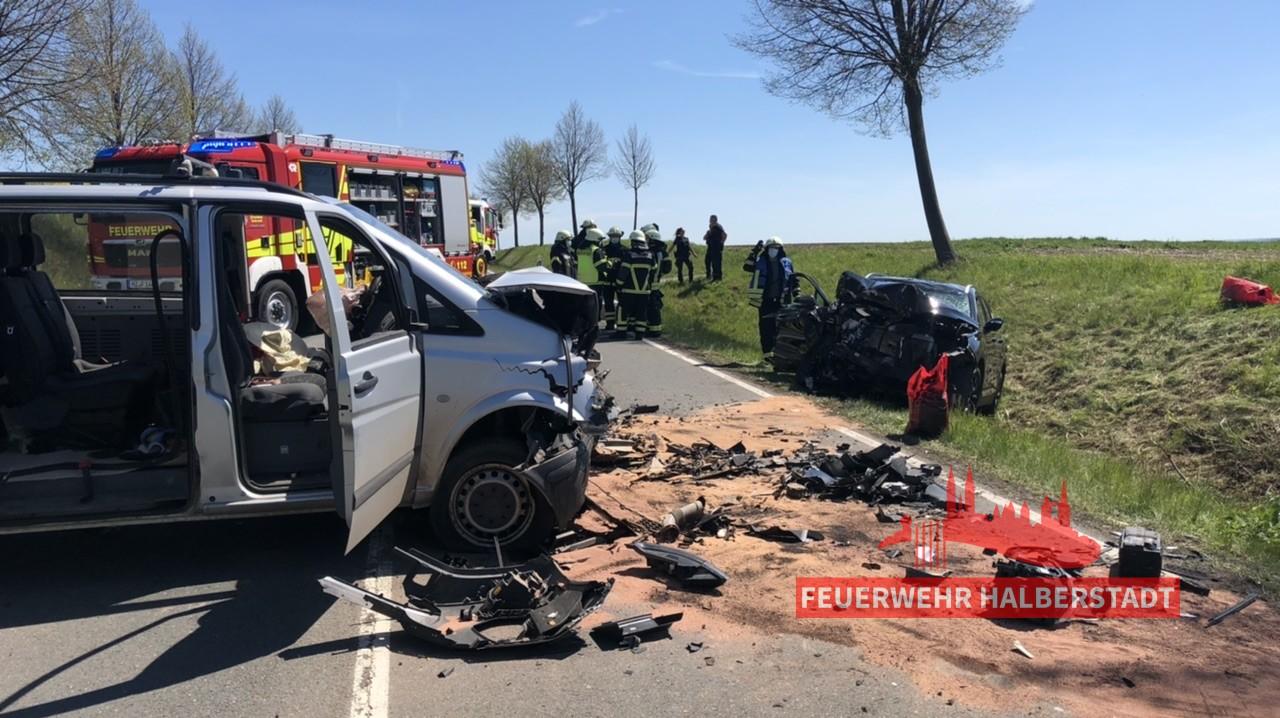 Verkehrsunfall eingekl. Person – B79 Athenstedt-Aspenstedt