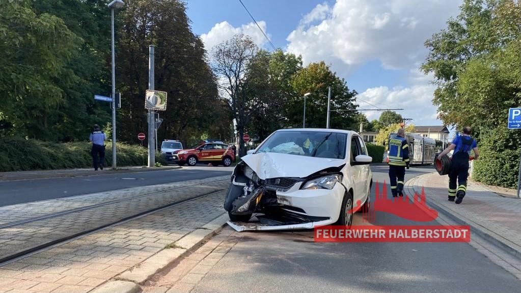 Verkehrsunfall – PKW gegen Hindernis – Braunschweiger Straße